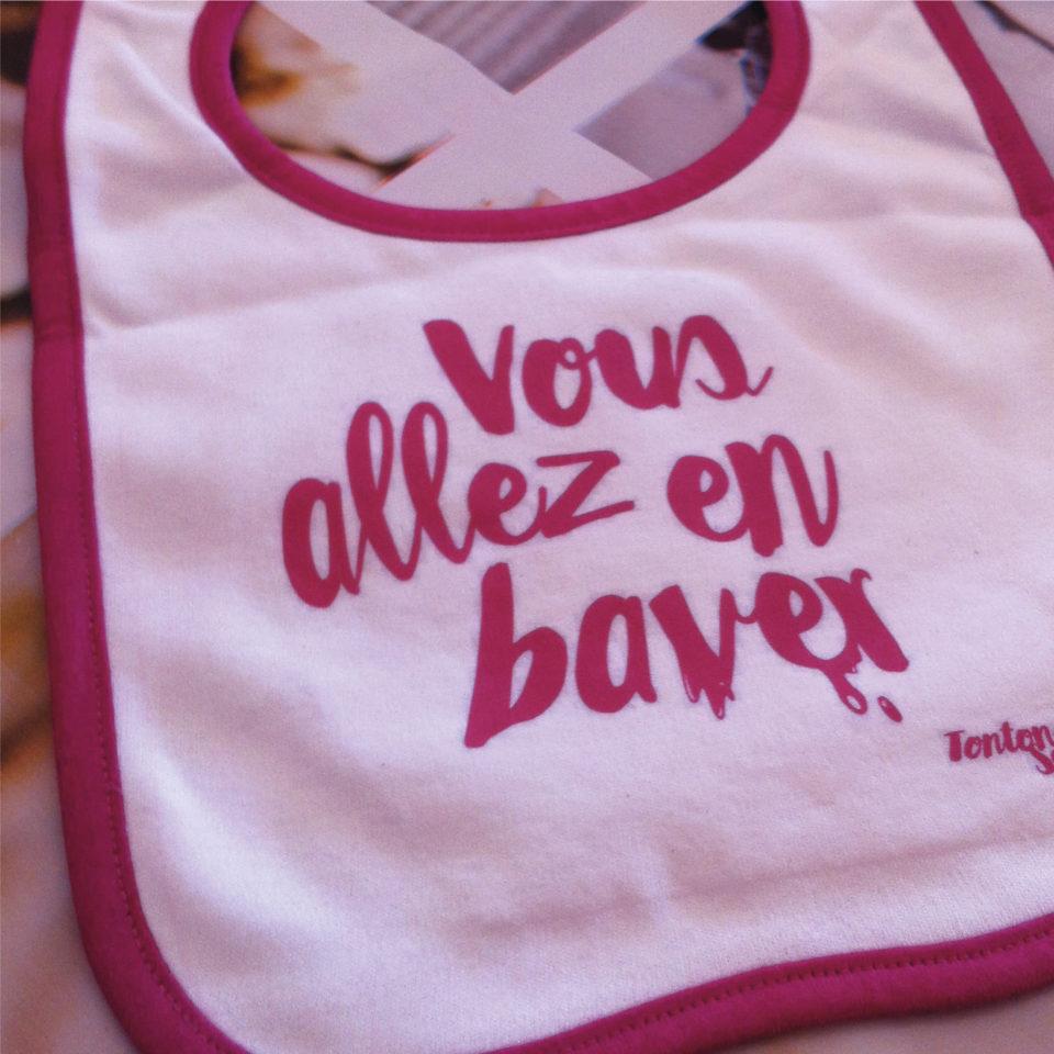travail typographie graphiste bavoir bébé